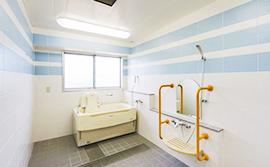 伊豆石を使用した一般浴