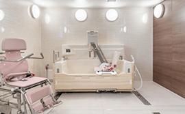 様々なスタイルで入浴可能な浴室